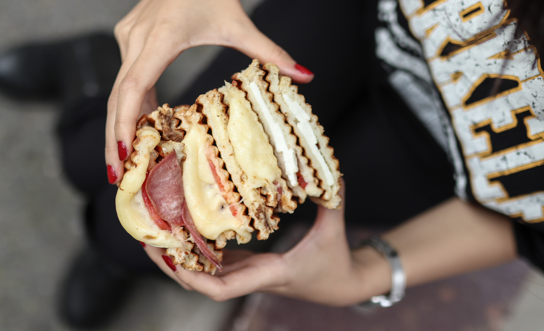 Kızılkayalar Hamburger Şubeleri Yerinde Servise Başladı